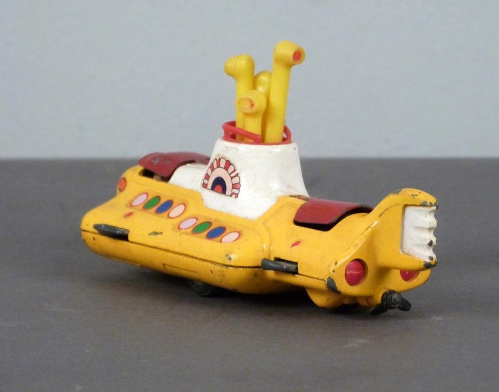 Corgi Beatles Yellow Submarine Toy - 4