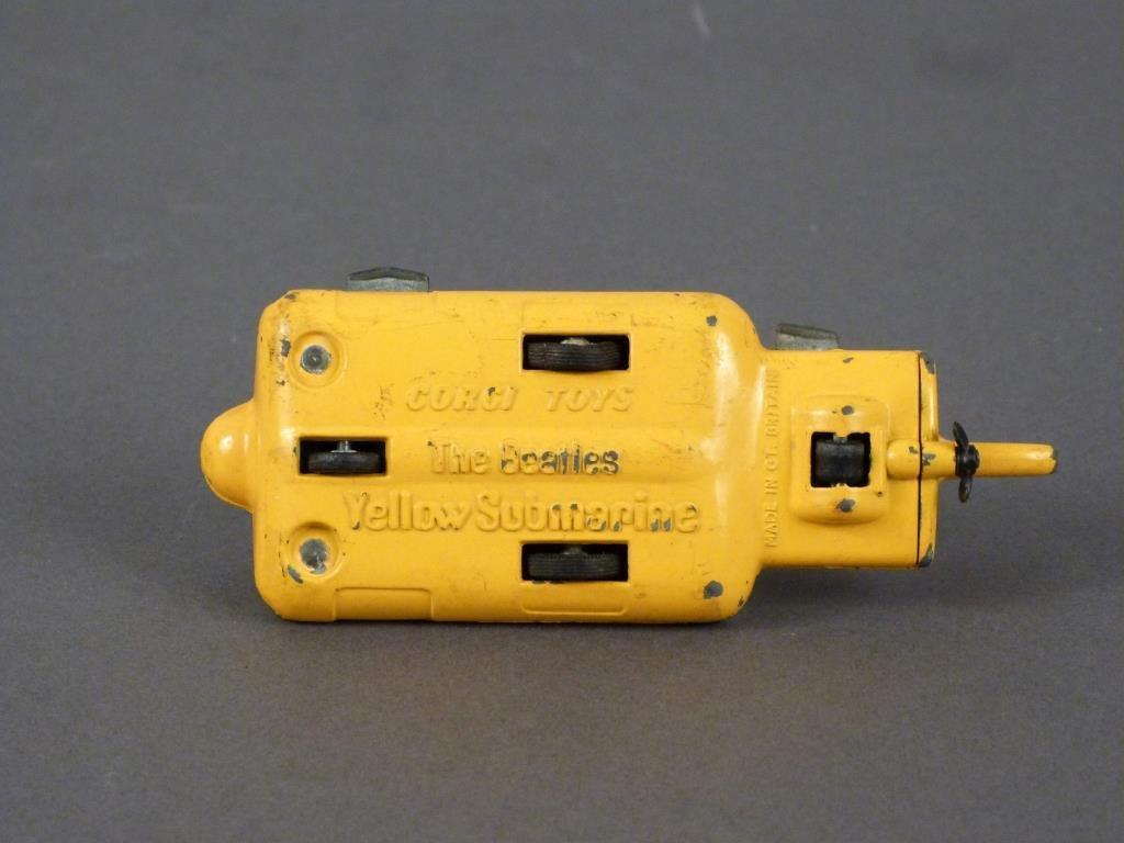Corgi Beatles Yellow Submarine Toy - 5