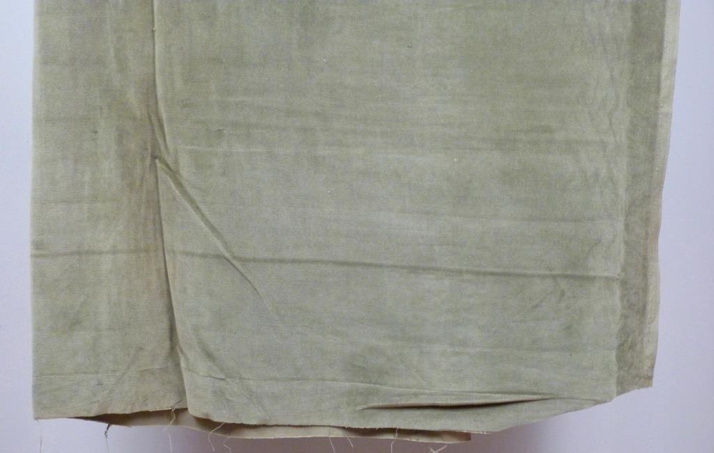 "Large Cut of Velvet Fabric - 4' 7"" X 15' 6"" - 2"