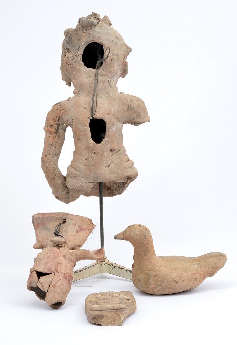 2 Pre-Columbian figures, bird and plaque - 2