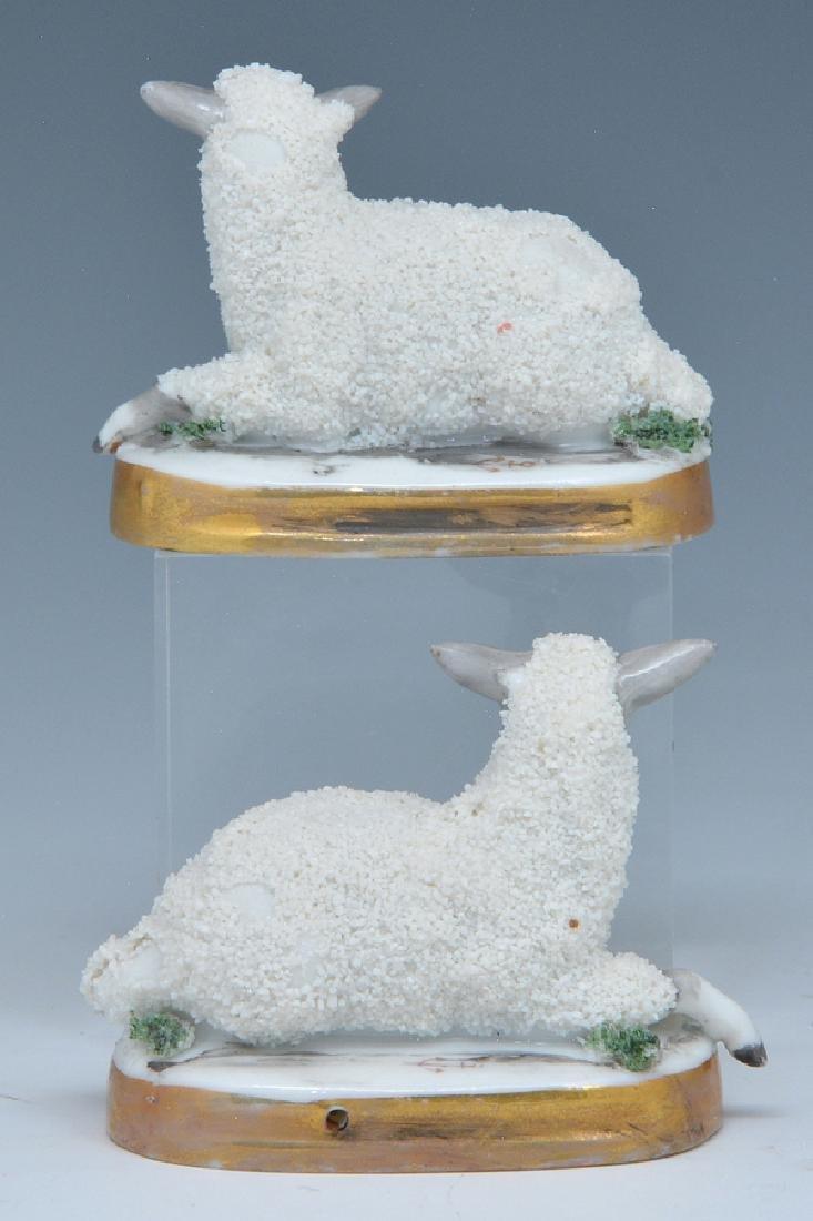 2 Chelsea porcelain sheep, 18th c - 2