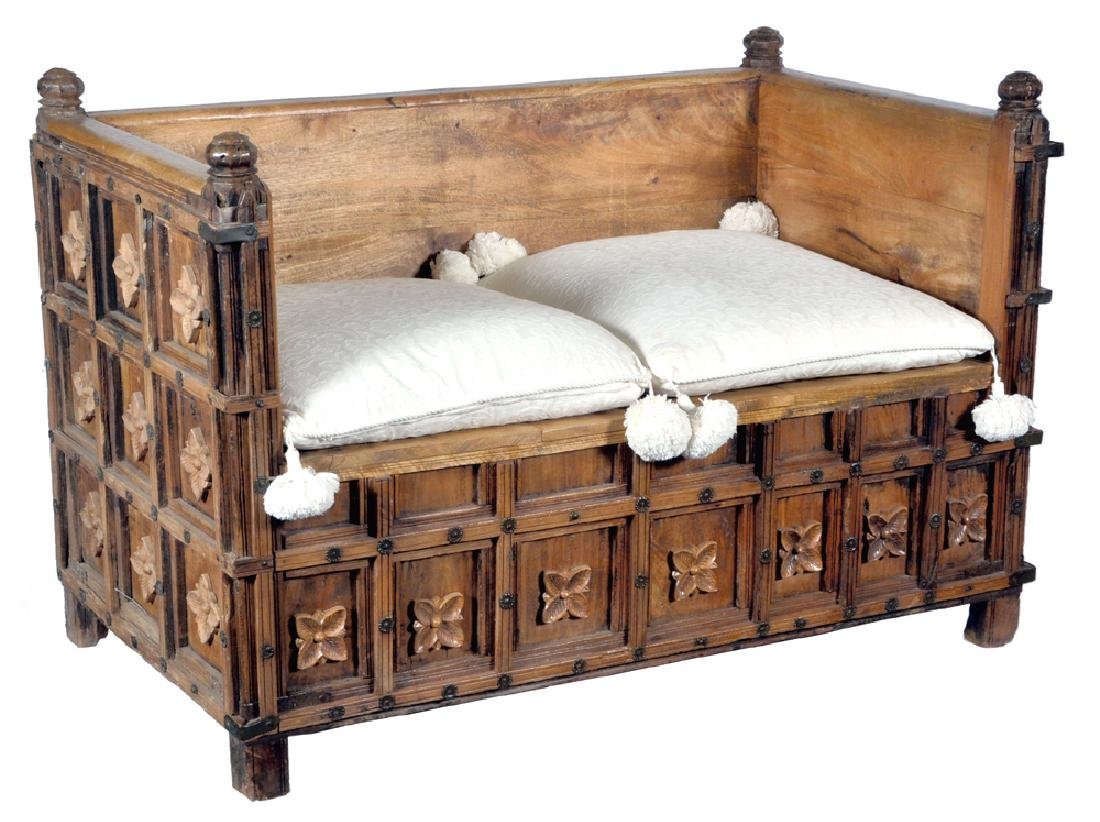 Spanish Colonial carved oak & fruitwood daybed