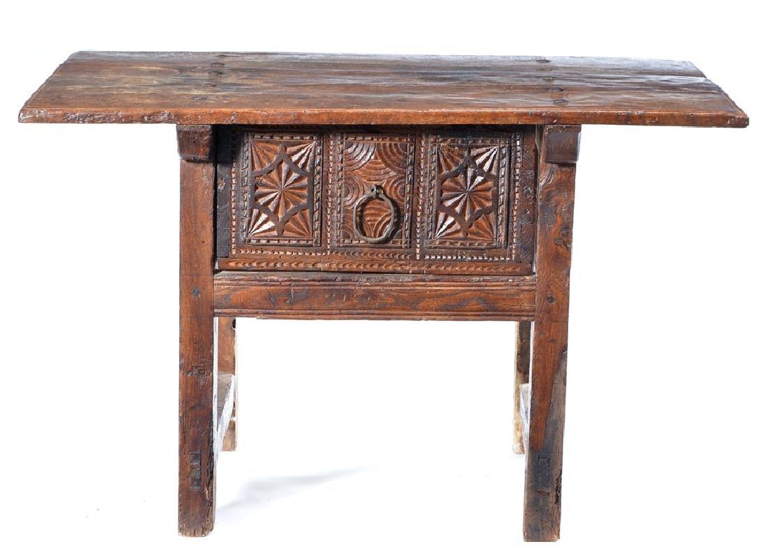 Spanish Colonial walnut side table,18th c - 2