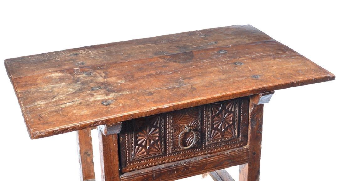 Spanish Colonial walnut side table,18th c - 3
