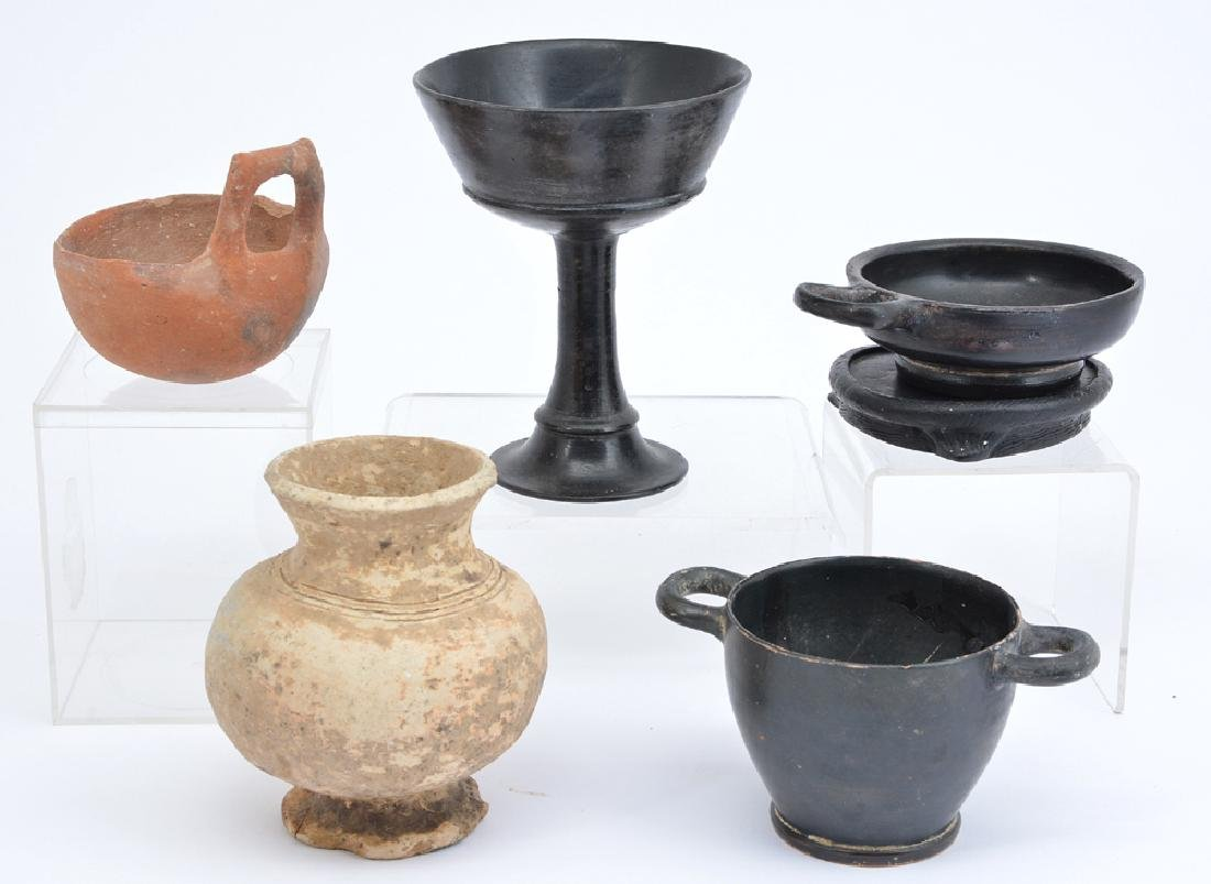 Group of 5 ancient pottery vessels, circa 1000-300 BC. - 2