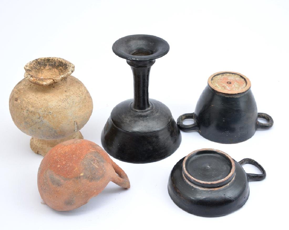 Group of 5 ancient pottery vessels, circa 1000-300 BC. - 3