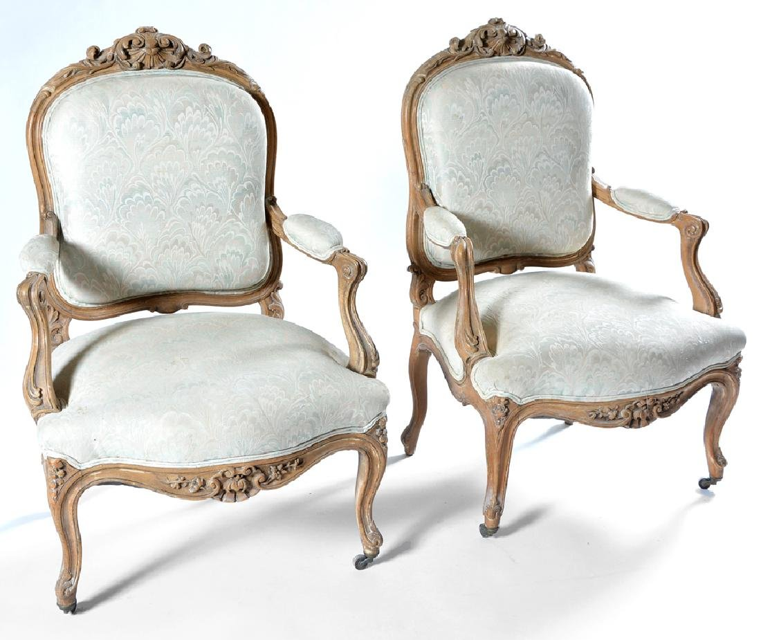 3 Pc suite of Louis XV style furniture, 18th/19th c - 2