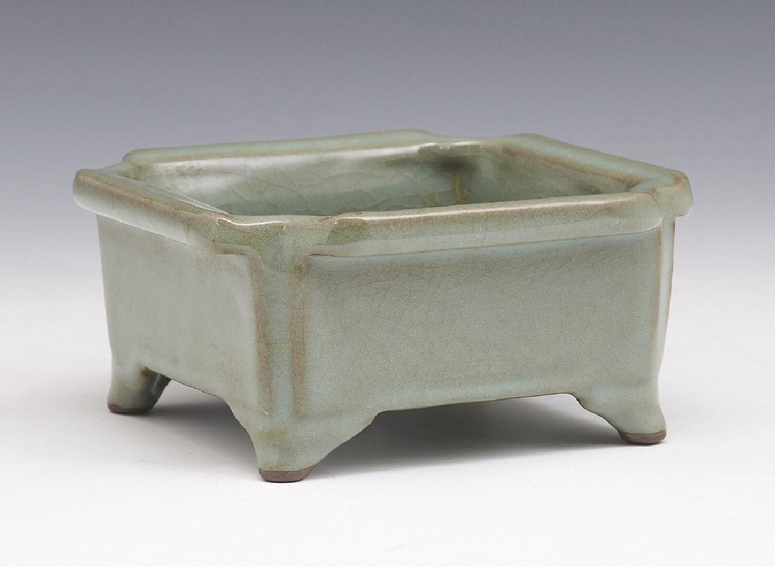 Chinese lungquan guan-type brushwasher