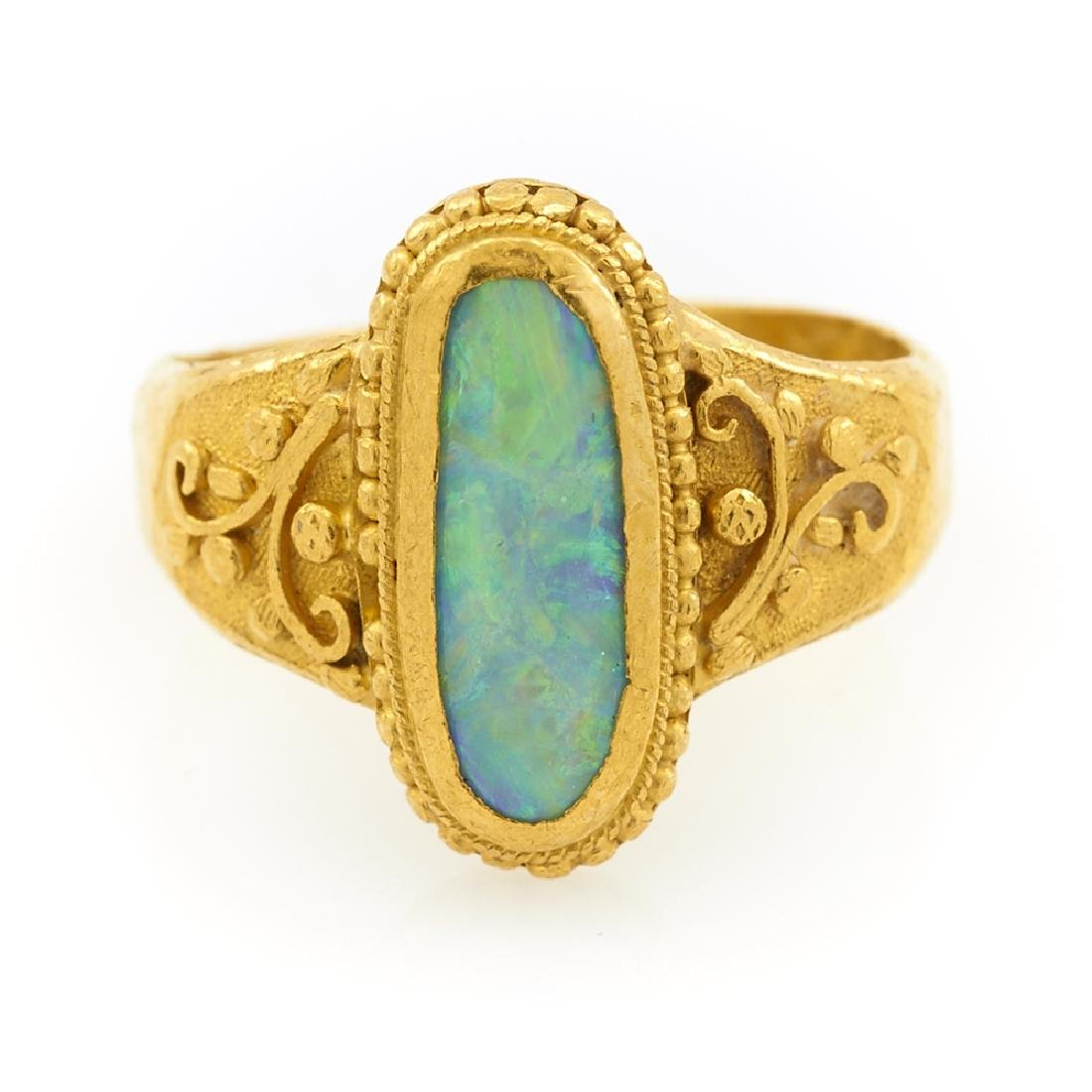 22k Yellow gold and opal ring