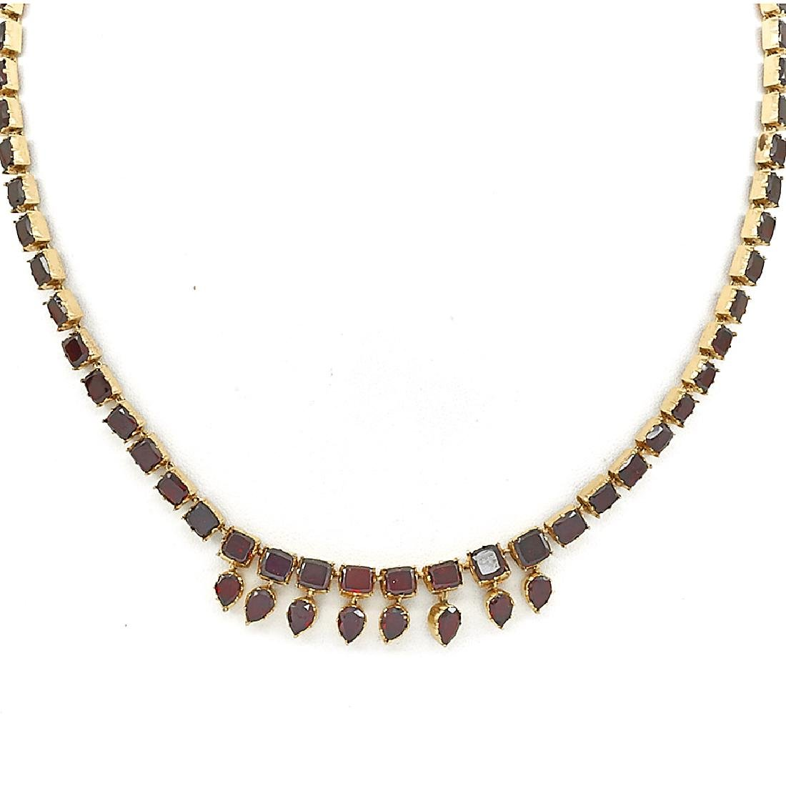 9K Yellow gold & garnet Victorian necklace