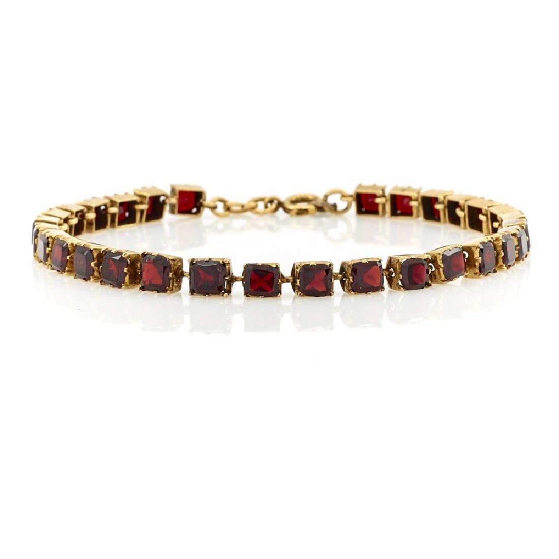 9K Yellow gold & garnet Victorian bracelet