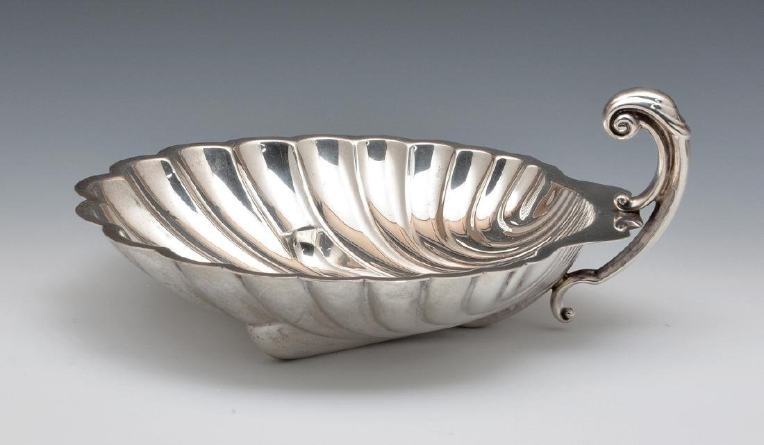 International sterling silver shell form dish
