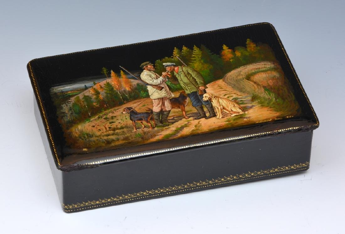 1939 Russian lacqured box with hand painted hunting