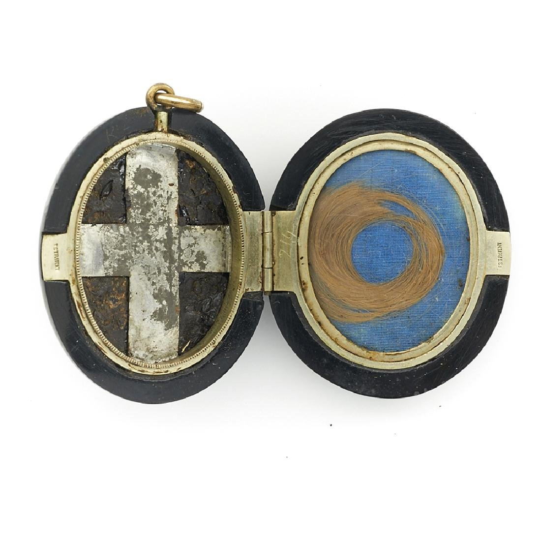 Victorian mourning locket with cameo - 2