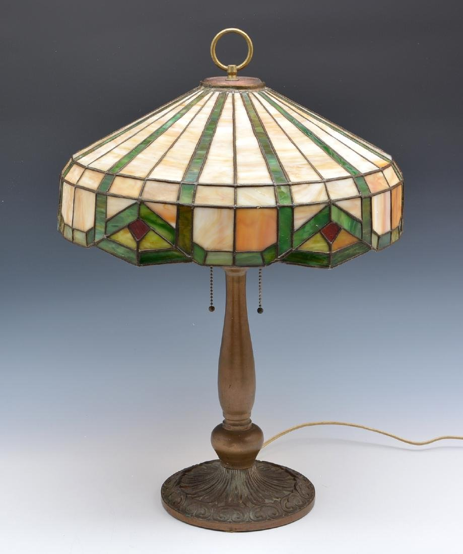 Geometric stained glass table lamp