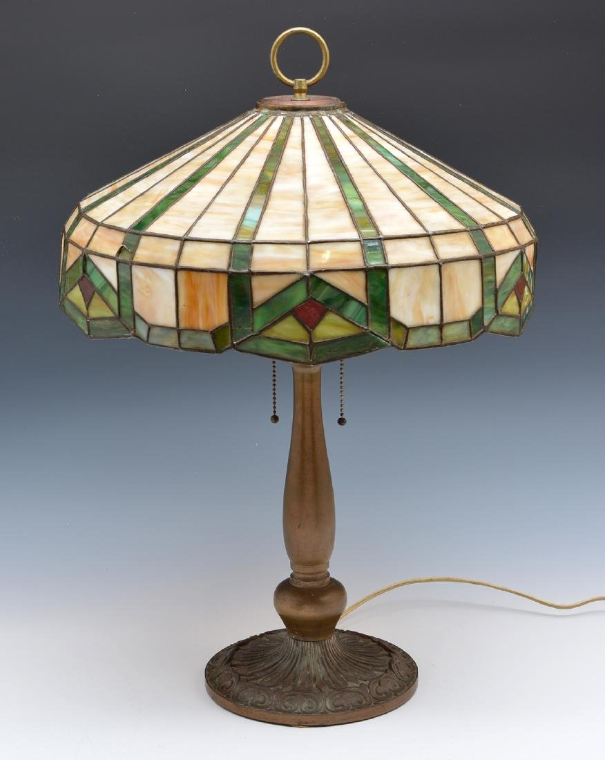 Geometric stained glass table lamp - 2