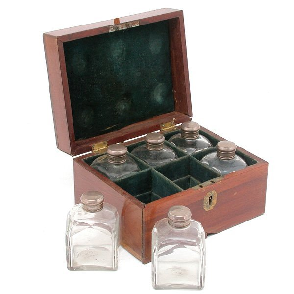 15: Ship Captain's Medicine Chest 18/19th Century