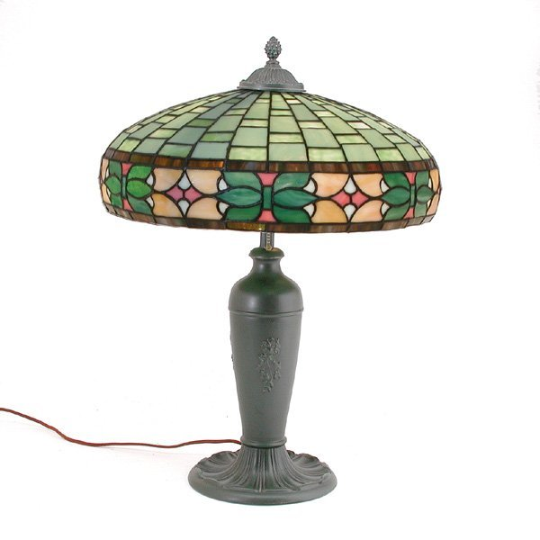 5: Wilkinson Table Lamp With Stained Glass Shade