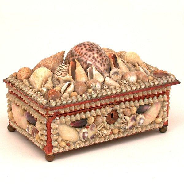 20: Victorian Shell Decorated Dresser Box