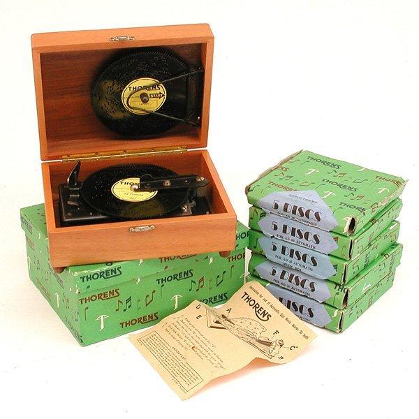 14: Thorens Swiss Music Box, 30 Discs