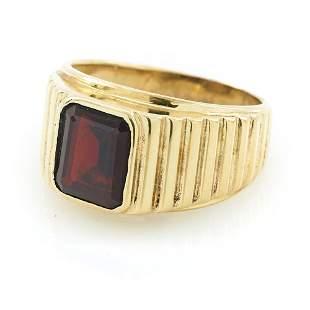 10k Yellow gold and cushion-cut garnet signet ring