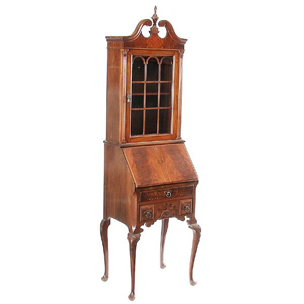 15: Petit Chippendale Fall Front Desk