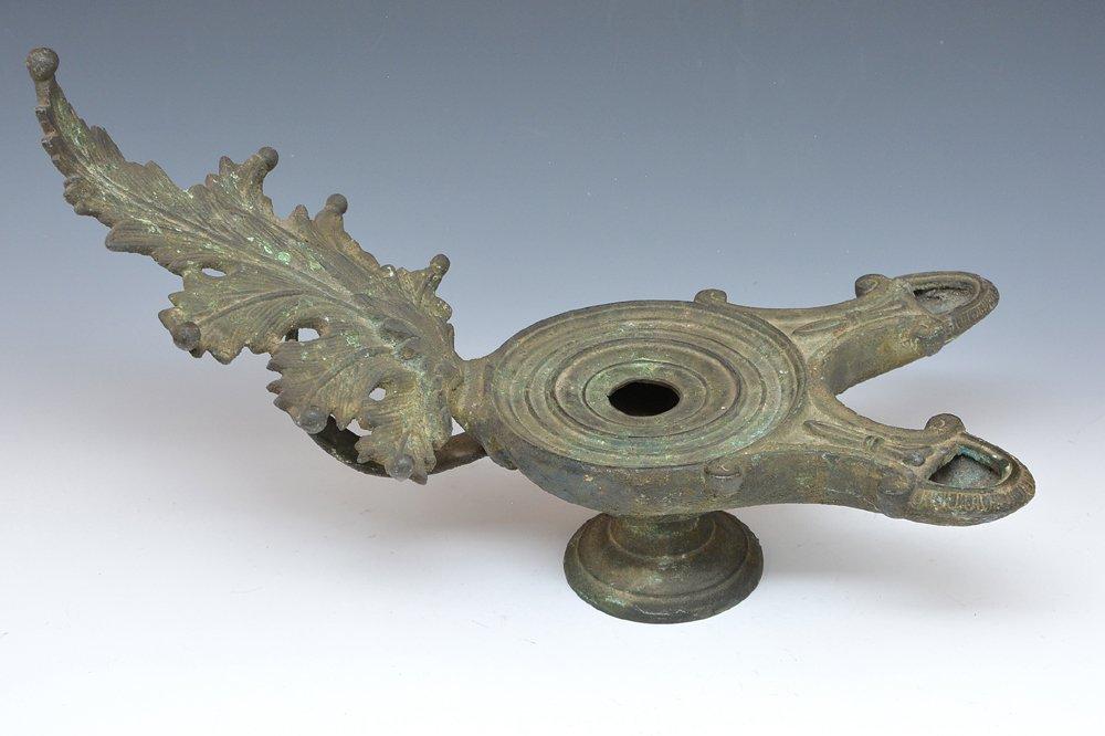 Large verdigrised bronze oil lamp, 19th c - 2