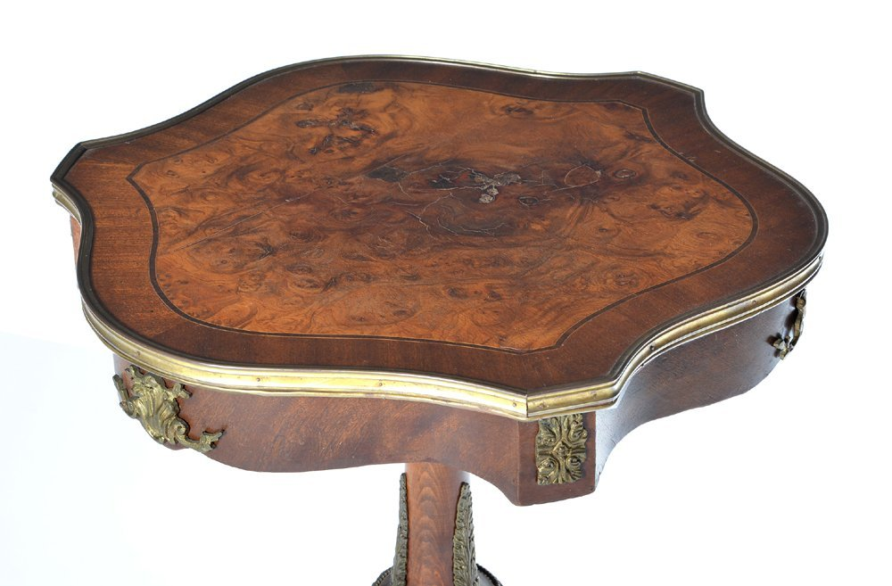 French shield top side table with ormolu mounts - 2