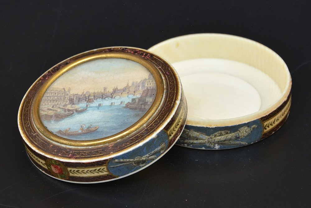 French powder box with Seine river scene, c 1820 - 2