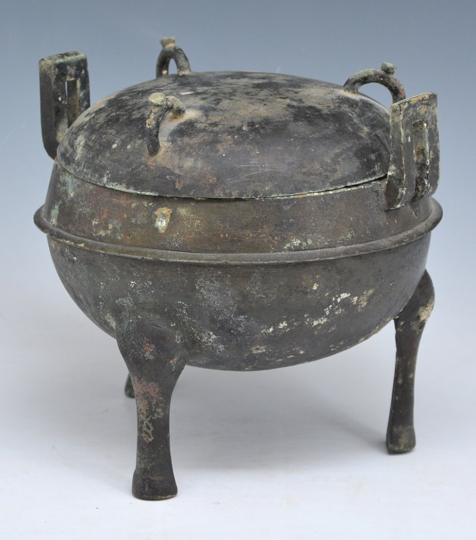 Chinese Archaic Bronze Ritual Ding Vessel With Lid - 3