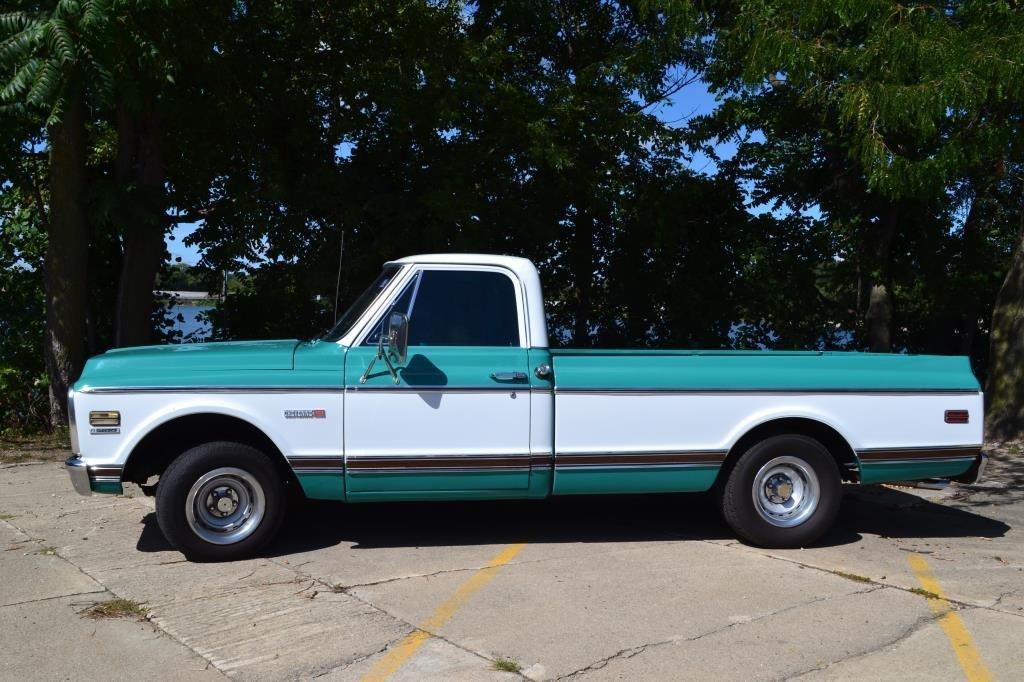 1972 Cheverolet C10 Cheyenne V8 Pickup Truck