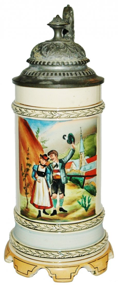 Alpine Couple Stein w Scalloped Music Box Base
