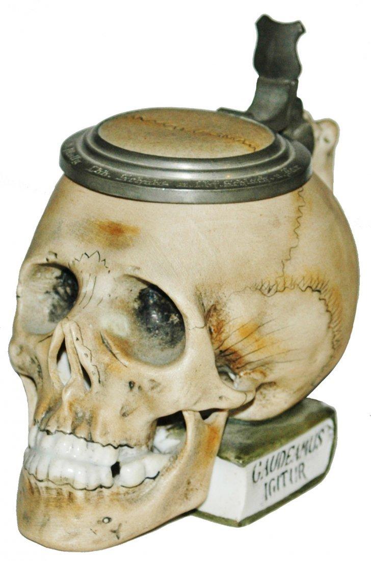3/10L Skull on Book Bohne Porcelain Stein