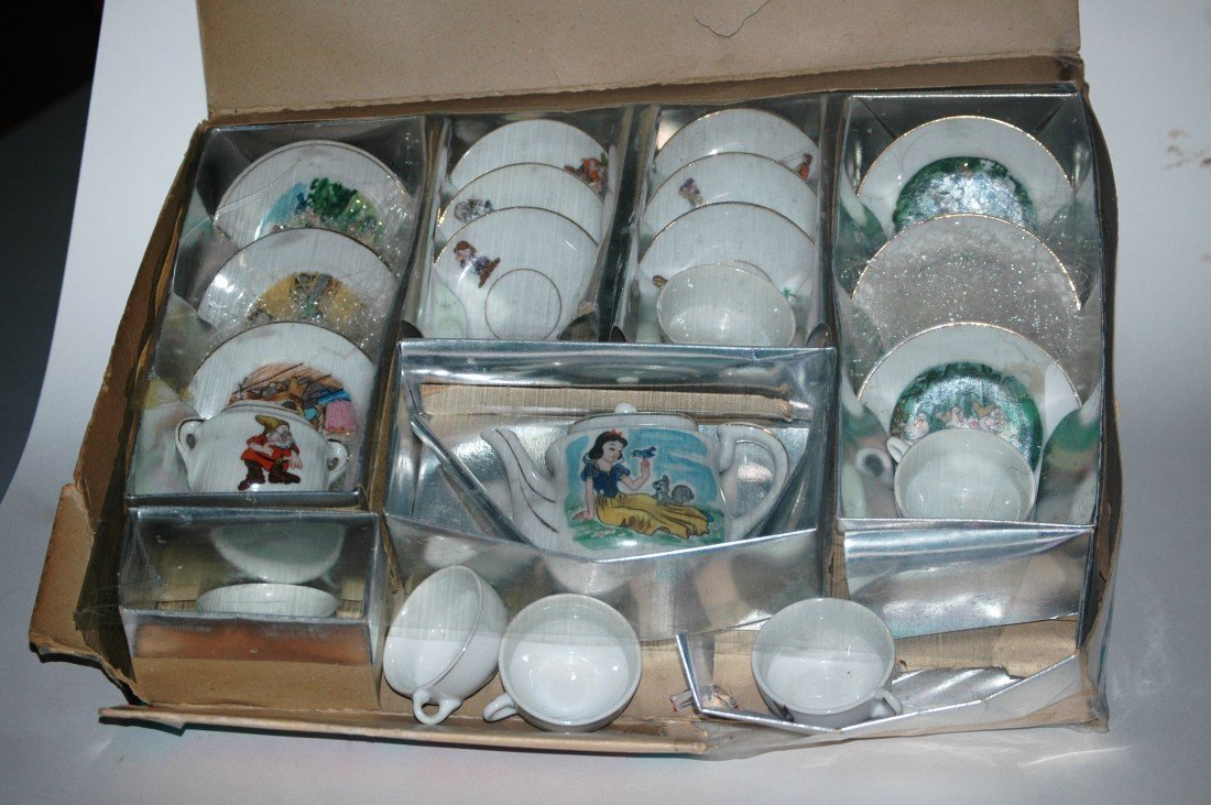 209: Fantastic Vintage Snow White China Tea Set - 2