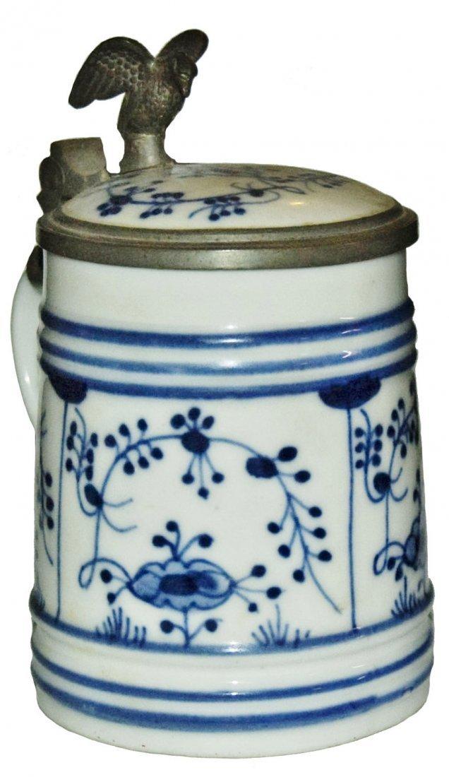 Blue Onion 1/4L Porcelain Stein w Matching Inlay