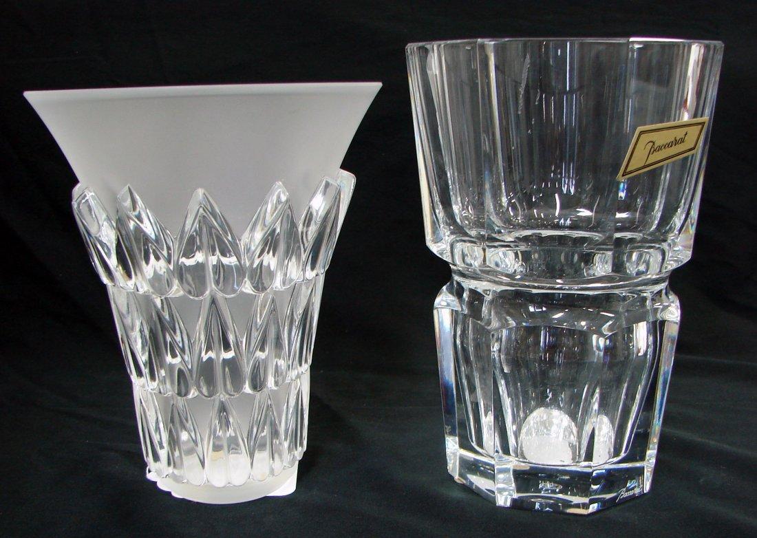 4: 2 Vases Baccarat Lalique Amour
