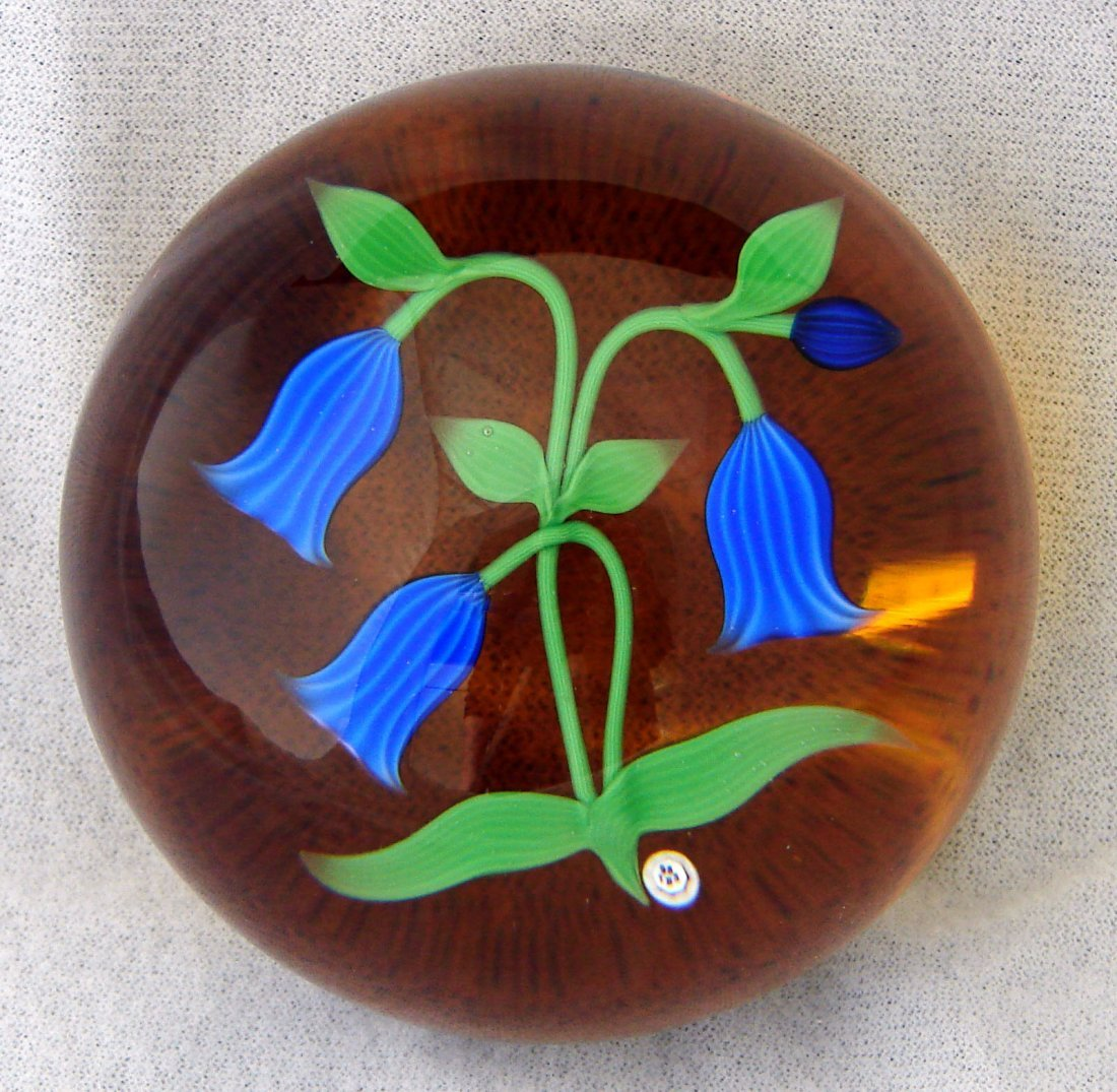 19: Baccarat LE Flowers Paperweight