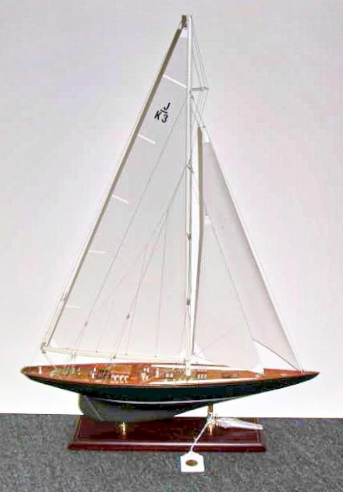 6: Shamrock V Ship Model Seacraft Classics