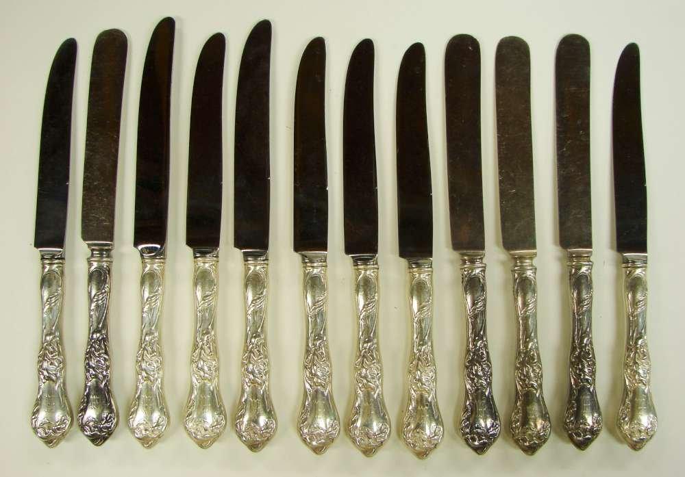 5: 12 Reed Barton Les Cinq Fleurs Dinner Knives Sterlin