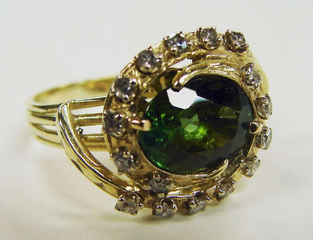 13: 18K Gold Tourmaline Ring