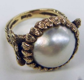 20: 14K Gold Ring Mabe Pearl