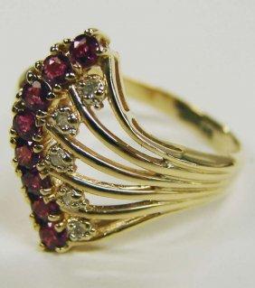 23: 14K Gold Ring Rubies Diamonds