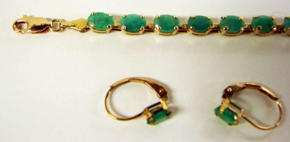 24: 10K Gold Parrure Emeralds Earrings Bracelet