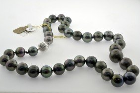 Tahitian Pearl Necklace Appraised Value: $12,300