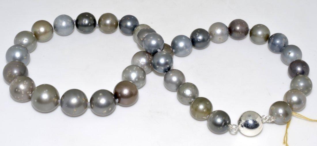 Tahitian South Sea Pearls Necklace AV: $21,508