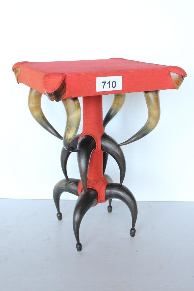 710: Cow Horn Lamp Table - 12 Horns, 4 Hooves