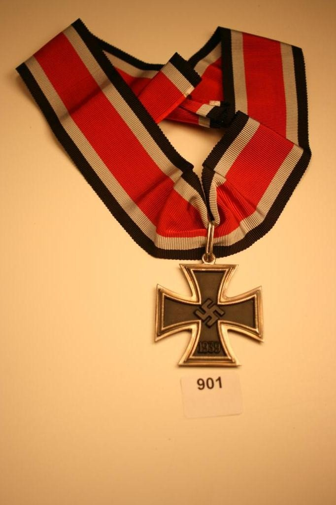 901: RARE-WWII-NAZI- Knight's Cross of the Iron Cross