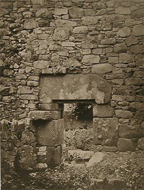 9: Unknown Photographer Stone Walls, (Pl. L Tempul Na T
