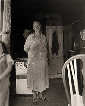 23: Diane Arbus Woman in a Shack