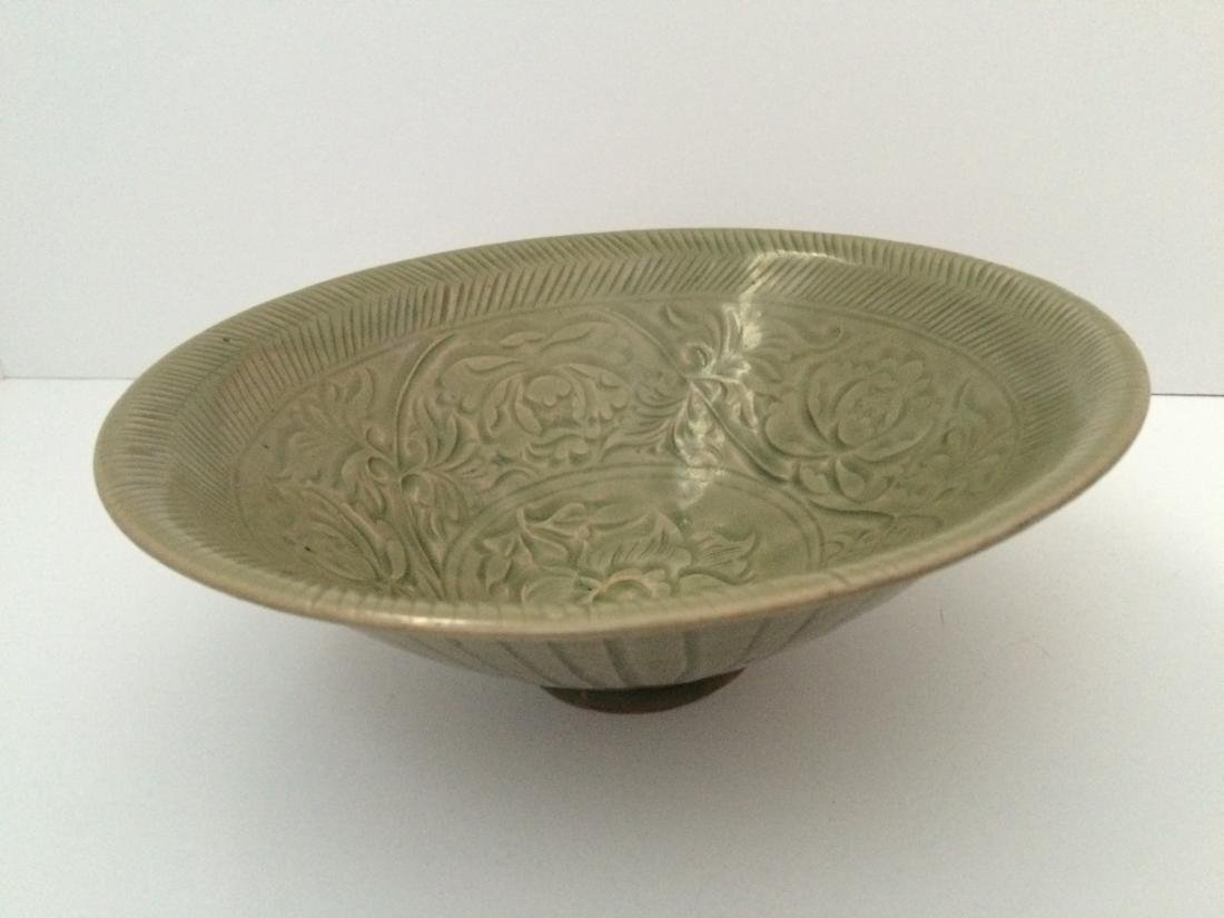 """Old Chinese Green Yao Zhou Ware Etched Bowl (8""""Dia)"""